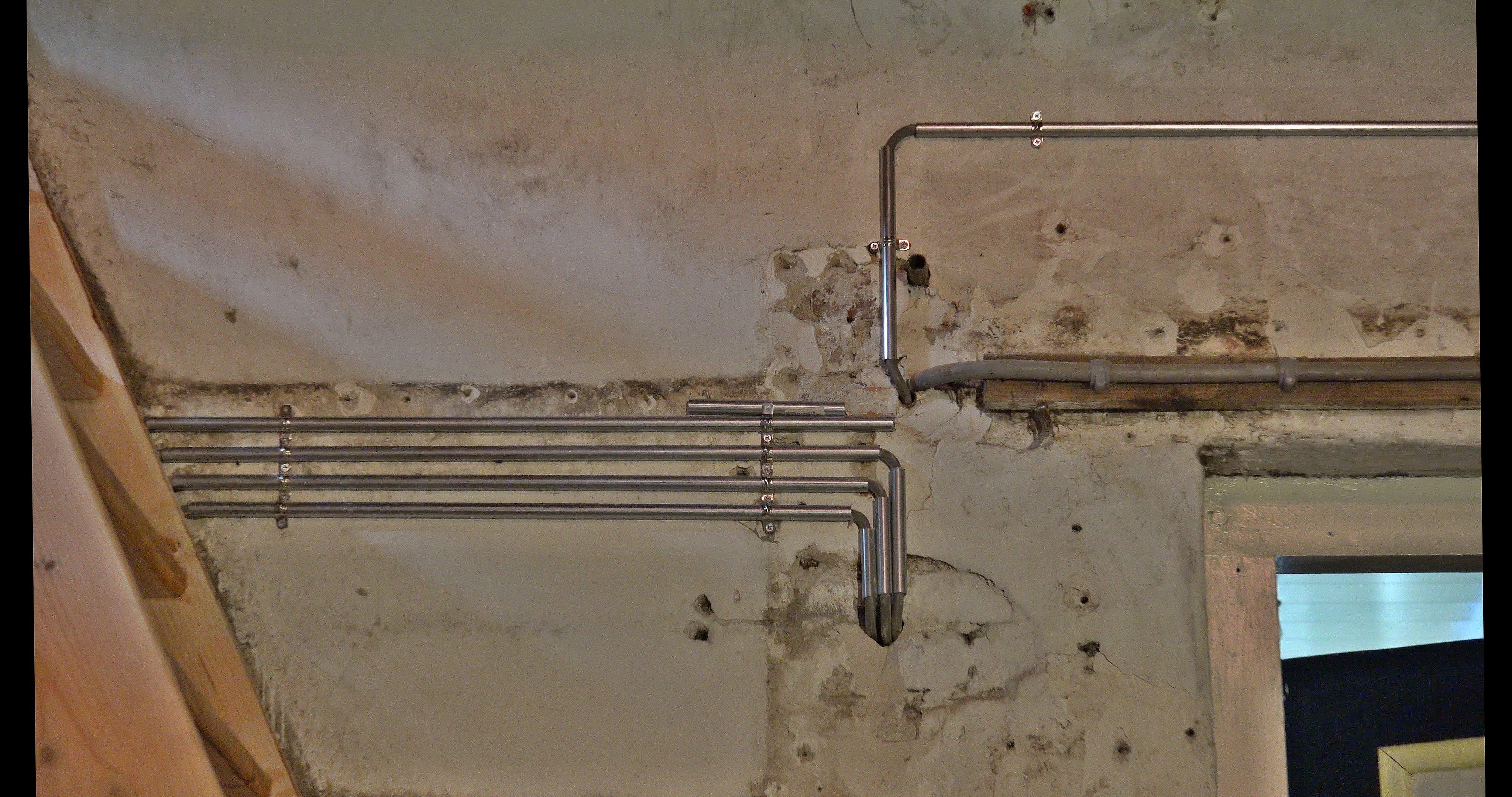 Elektriciteitskabels in staal.