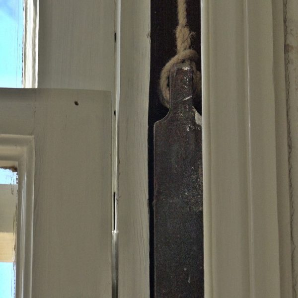 Alle contragewichten voor de ramen zijn origineel