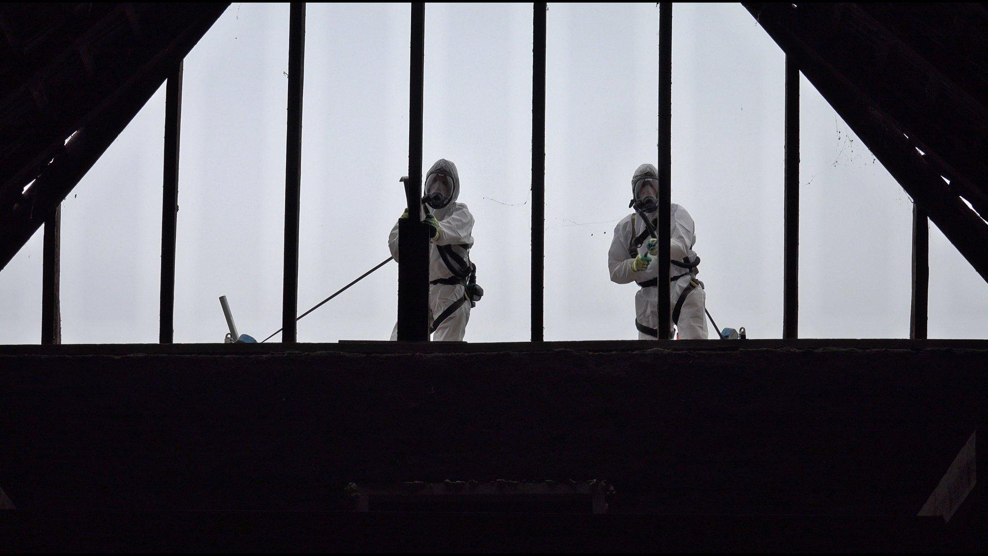 Asbest sanering van het schild.