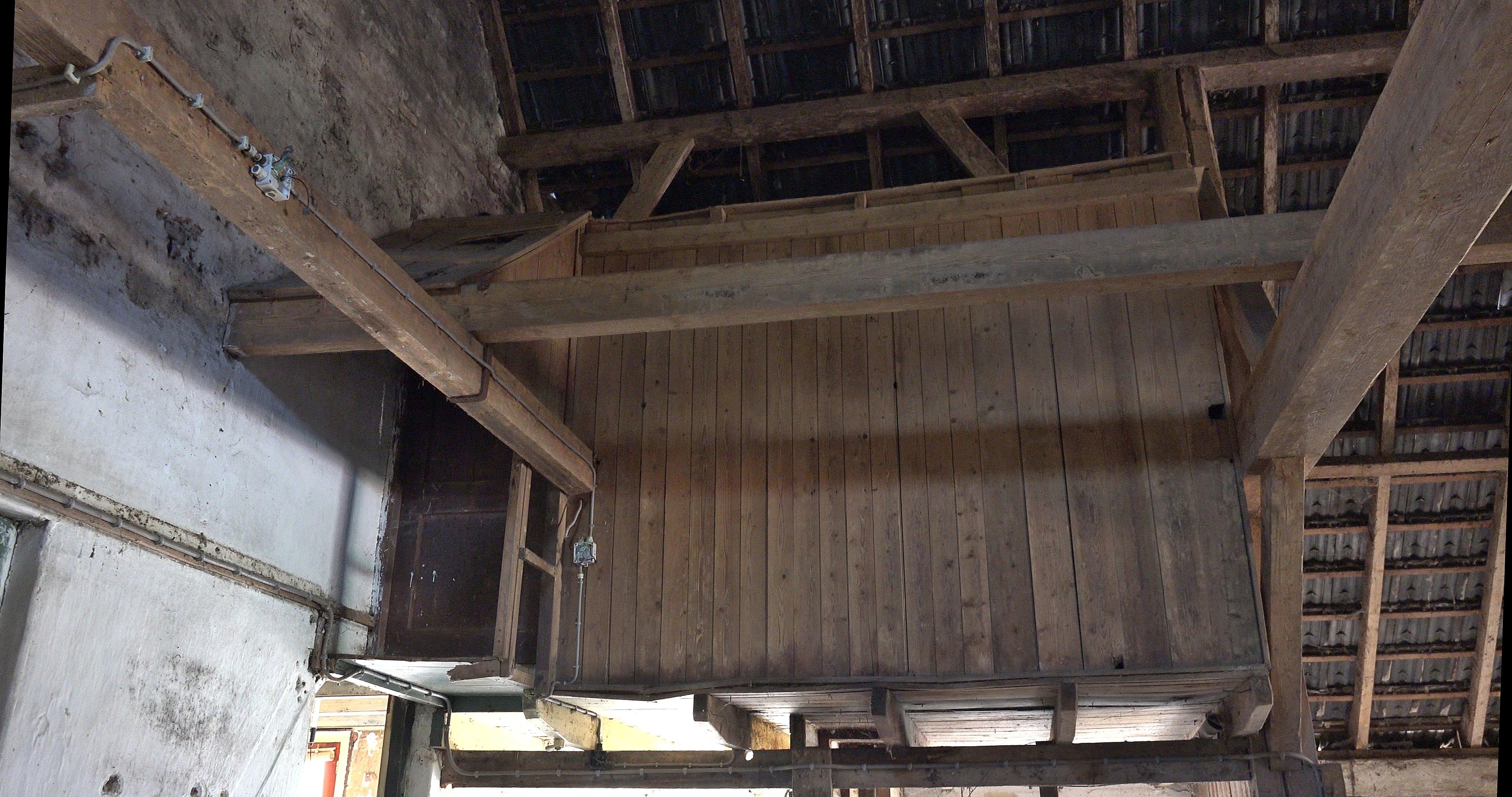 De knechtenkamer voor restauratie.